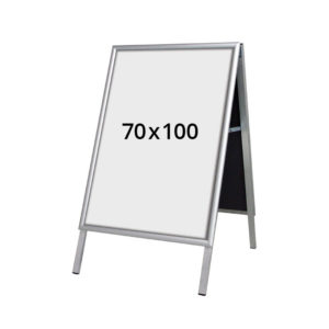 A-stativ til din butik. Mål 70x100 cm. Med plakat.