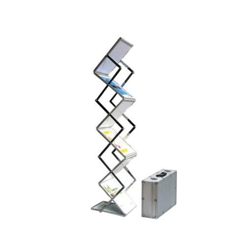 Pop-up brochurerstativ. Zigzag formet til A4 format. Teknisk foto.