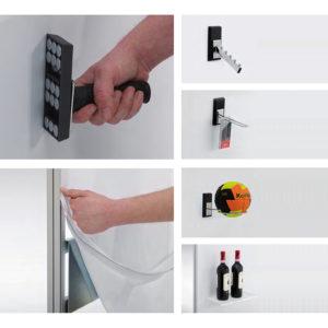 Magnetsk butiksdisplay detaljebilleder med ophæng af bolde, tøjknager og vin.