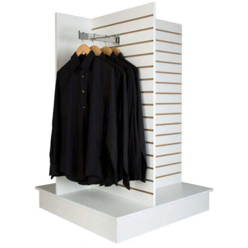 Butiksindretning spacewall, slatwall og slotwall. Alt til butikken. Alttilbutikken. Alttilbutikken.dk. Fritsående display til udstilling af varer.