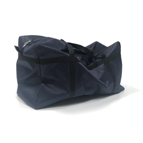 Marineblå taske 200L. Marineblå taske med stor opbevaringsplads.